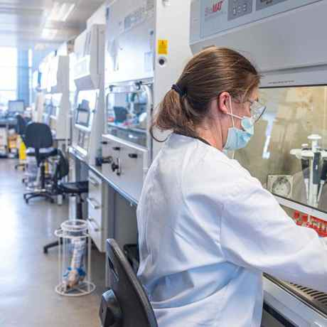Oxford-AstraZeneca Covid-19 Vaccine Startup in Conflict With University Ahead of Planned IPO